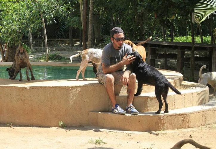 Ricardo Pimentel en Tierra de Animales. (Redacción/SIPSE)