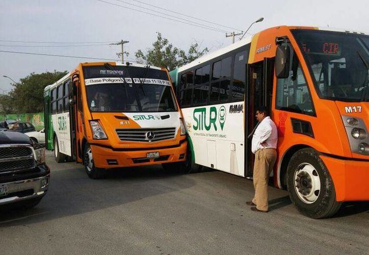 Las unidades involucradas corresponden a la ruta Circuito Metropolitano. (SIPSE)
