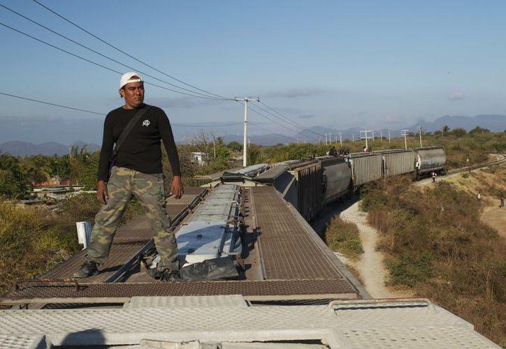 García Bernal rememora la peligrosa ruta de muchos mexicanos hacia EU. (Agencias)