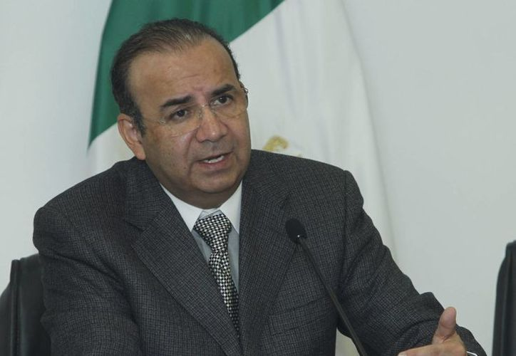 El secretario del Trabajo, Alfonso Navarrete Prida, informó que los gobiernos de México, Honduras, Guatemala y El Salvador iniciarán en octubre el Programa de Migración Laboral Temporal, parfa sentar las bases de un proceso de ordenación y dignificación de la migración. (Notimex)