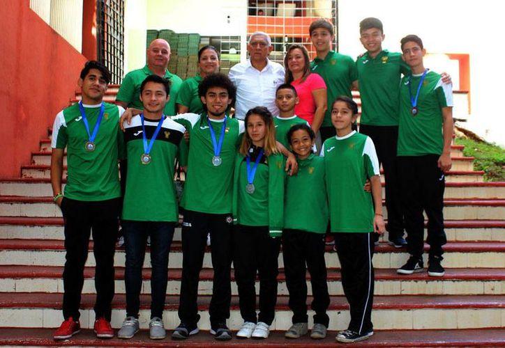 La selección de gimnasia de trampolín obtuvo seis medallas en su participación en el Campeonato Nacional Interclubes 2016.(Milenio Novedades)