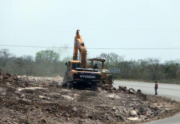 El proyecto busca ampliar 70 kilómetros de la carretera que une a Mérida con Teabo. (Archivo/ SIPSE)