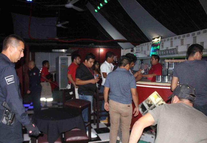 El jefe de la policía señaló que se ha generado una controversia social en el funcionamiento de este tipo de establecimientos que comercializan bebidas alcohólicas.