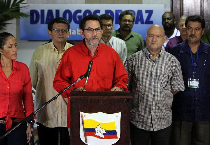 Las FARC piden prudencia al gobierno de Colombia para no obstruir la liberación del general Rubén Darío Alzate. (EFE/Archivo)