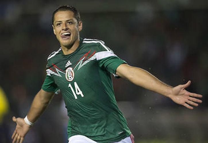 'Chicharito' cada vez más cerca de ser máximo goleador tricolor. (El Informador)