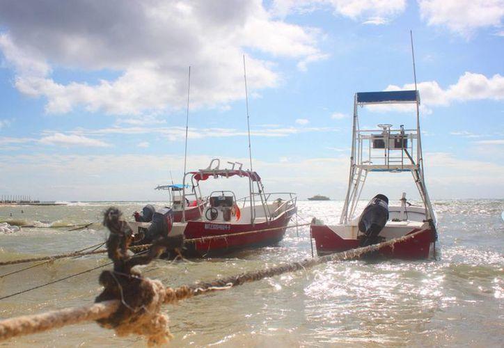 El puerto fue cerrado este jueves a la navegación menor por las condiciones climatológicas. (Daniel Pacheco/SIPSE)