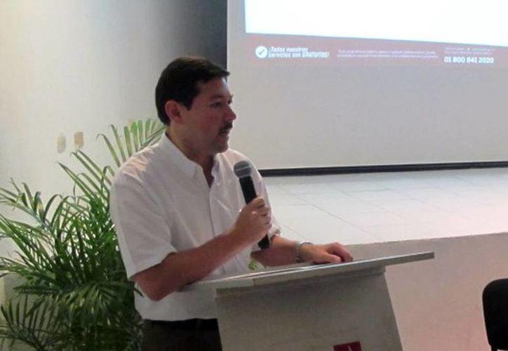 Enrique Castillo Ruz dijo que el Gobierno evaluará los programas de empleo. Anunció que se incrementarán las ferias del empleo, se reforzarán las bolsas de trabajo. (Milenio Novedades)