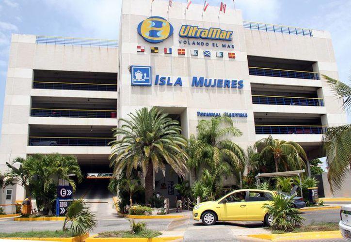 Ultramar pronto tendrá competencia en los viajes que hace de Puerto Juárez a Isla Mujeres. (Luis Soto/SIPSE)