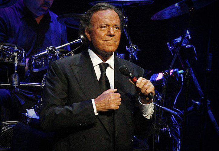 El cantante reconoce a los talentos jóvenes, como Mario Domm o Pablo Alborán. (Foto: Bilboard)