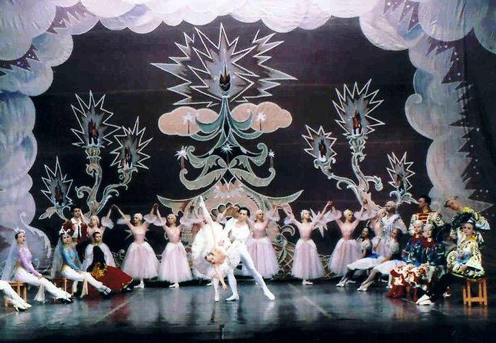 La obra navideña 'El Cascanueces' engalanará el Teatro de Cancún en esta temporada decembrina. (Redacción/SIPSE)