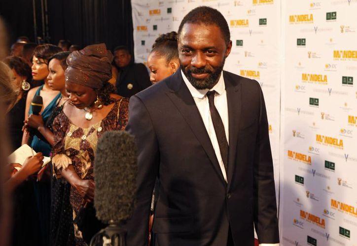 El actor británico Idris Elba, quien interpreta en la cinta a Nelson Mandela. (Agencias)