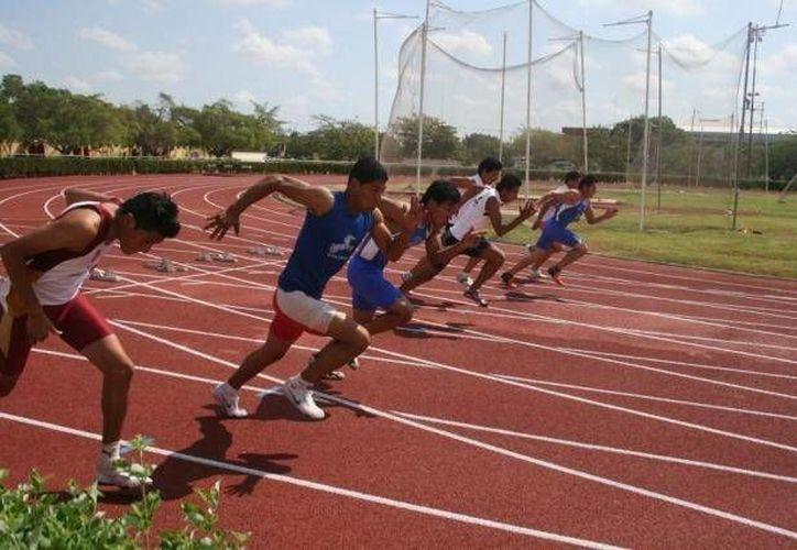 Entre los inscritos para el premio deportivo esta la disciplina de atletismo. (Archivo/SIPSE)
