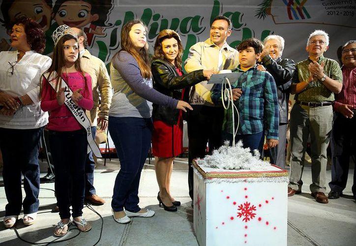 El gobernador de Yucatán, Rolando Zapata Bello presidirá esta noche la inauguración de <i>¡Viva la Navidad!</i>, en el estacionamiento de Plaza Patio.