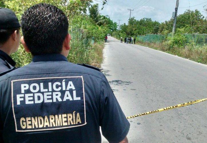 Personal de la Gendarmería se encargó de resguardar la zona. (Redacción/SIPSE)