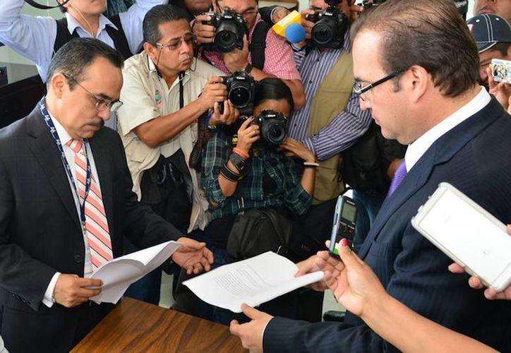 El gobernador de Veracruz, Javier Duarte de Ochoa, dijo que el mandatario electo tiene un patrimonio que no corresponde a los ingresos de un servidor público. (veracruz.gob.mx)