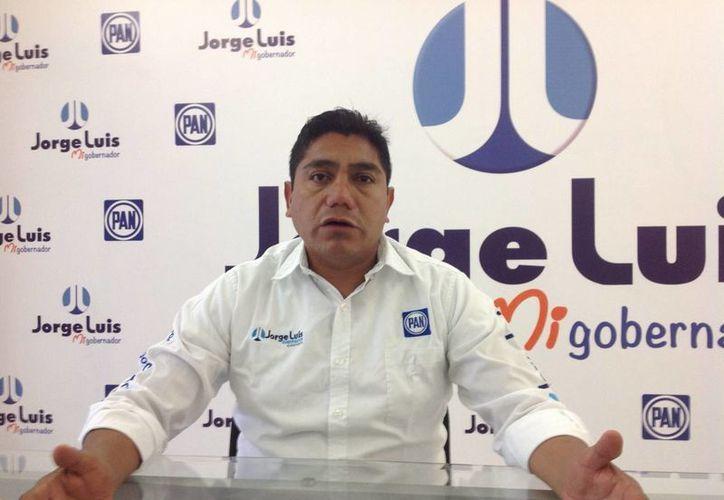 Imagen del candidato del Partido Acción Nacional (PAN) a la gubernatura de Colima, Jorge Luis Preciado Rodríguez. El PAN se llevó ocho de las 10 presidencias municipales. (Archivo/Notimex)