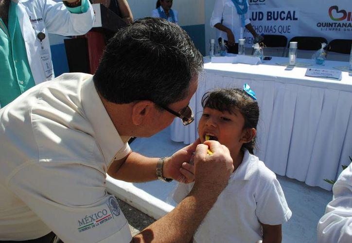 Se atenderá a 30 mil niños y adolescentes al interior de sus centros escolares. (Tomás Álvarez/SIPSE)