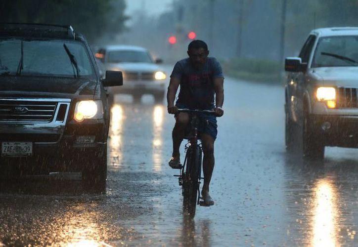 Se mantiene el pronóstico de tormentas fuertes a puntuales intensas para la Península de Yucatán. (SIPSE)