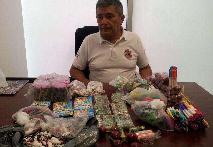 Está prohibida la venta, almacenamiento y distribución de pirotecnia salvo algunos negocios que cuentan con los permisos. (Rossy López/SIPSE)