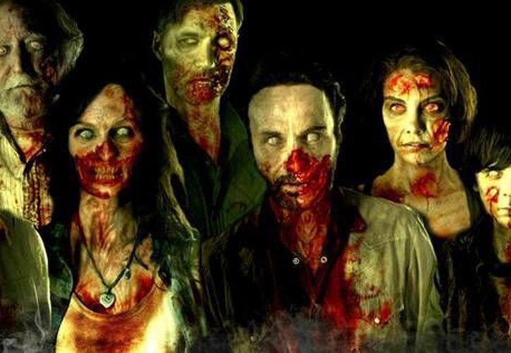 A pocos días del estreno de la segunda temporada de 'Fear the walking dead' se anuncia que habrá una tercera temporada. (movieweb.com)