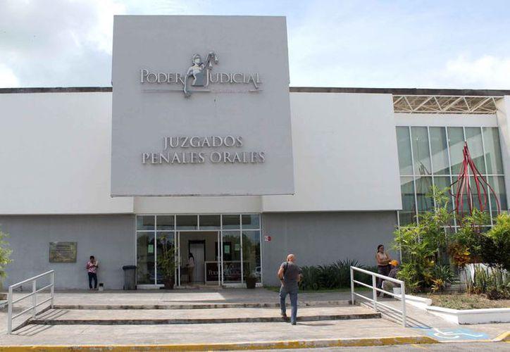 En la audiencia, realizada el pasado lunes, los Fiscales del Ministerio público sostuvieron un debate con la defensa de la imputada. (Joel Zamora/SIPSE)