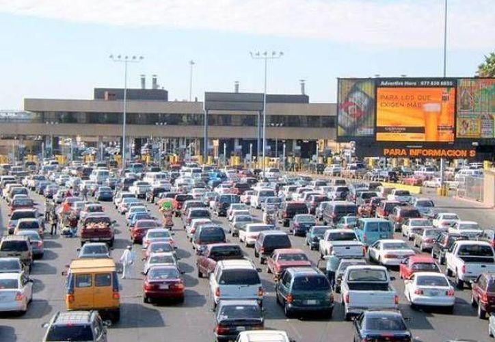 La modificación fronteriza agilizará la revisión y cruce de automotores. (Agencias/Contexto)