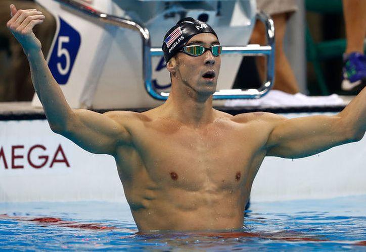 El 23 veces campeón olímipico, Michael Phelps, medirá su destreza contra un tiburón el próximo mes. (NPR)