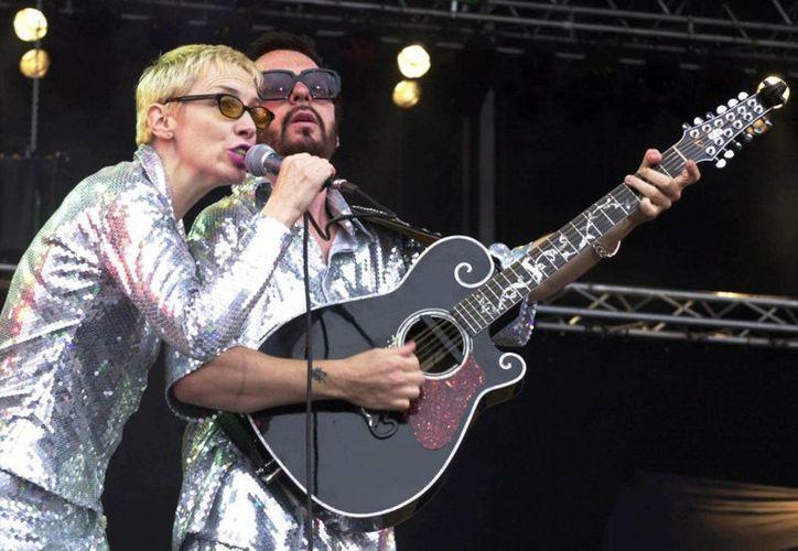 Aún no se sabe qué canciones de Los Beatles cantará el dueto Eurythmics, cuyos miembros Annie Lennox y Dave Stewart han tenido fructíferas carreras en solitario. (Agencias)