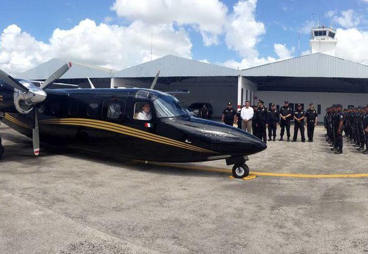 El Gobierno de Yucatán fletó una avioneta de la SSP para enviar la primera tonelada -de 120- de víveros para los damnificados de Guerrero. (Cortesía)