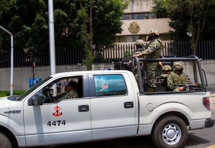 La Armada de México desplegó 17 mil 25 elementos en acciones de seguridad, durante los primeros seis meses de gobierno del presidente Peña Nieto. (Archivo Notimex)