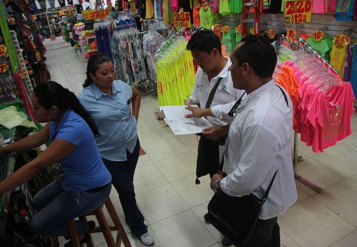 En el primer cuadro de la ciudad se estima que existen más de 600 establecimientos de tipo comercial. (Julián Miranda/SIPSE)