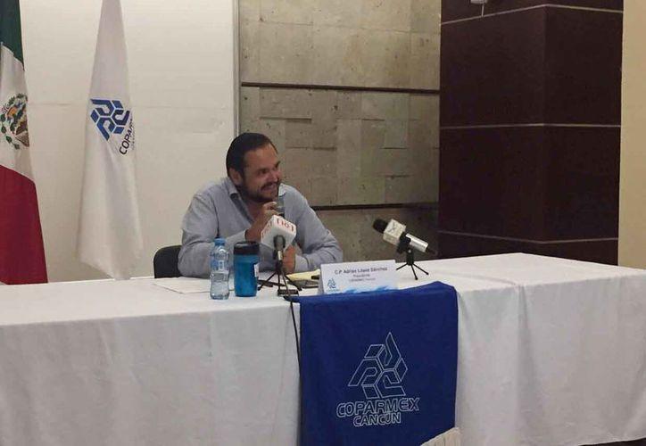 El presidente de la Coparmex, durante una conferencia ante los medios de comunicación. (Luis Soto/SIPSE)
