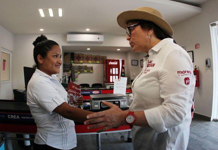 La aspirante a la presidencia municipal invitó a las familias a sumarse a este proyecto de Morena. (Foto: Redacción)