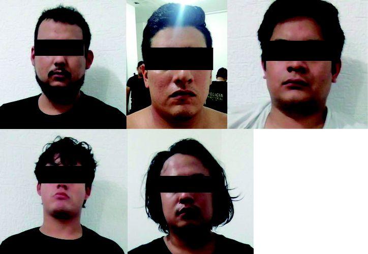 Cinco personas armadas fueron detenidas esta mañana tras una persecución en Cancún. (Redacción)