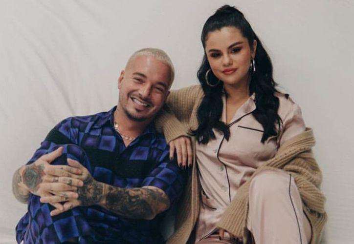 """Selena Gómez y J. Balvin protagonizan el videoclip del nuevo tema """"I Can't Get Enough"""". (Internet)"""