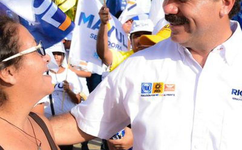 Julián Ricalde recorrió Isla Mujeres, donde fue bien recibido. (Redacción)