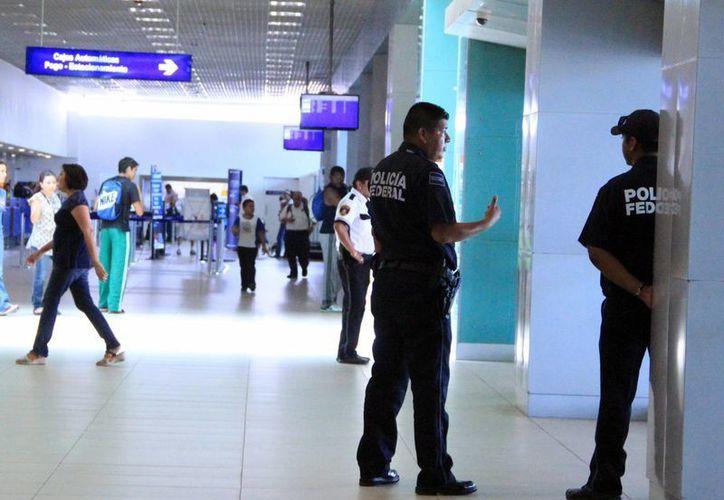 Personal del Aeropuerto de Mérida ya fue informado y capacitado sobre el ébola. (Milenio Novedades)