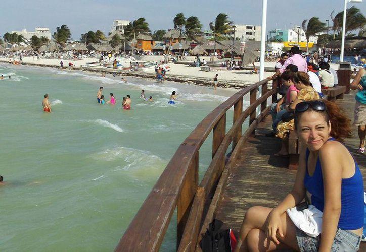 El muelle de madera se ha vuelto un atractivo más en Progreso. (Manuel Pool/SIPSE)