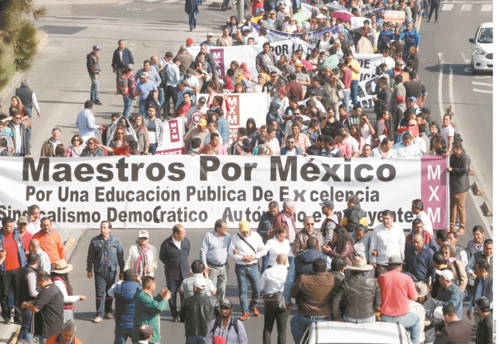 Una organización afín a Elba Esther Gordillo, Maestros por México, vio con buenos ojos la orden de AMLO. (Reforma)
