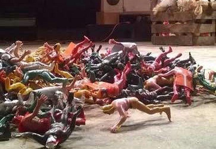La obra se caracteriza por utilizar juguetes para realizar las diferentes dinámicas. (Milenio Novedades)