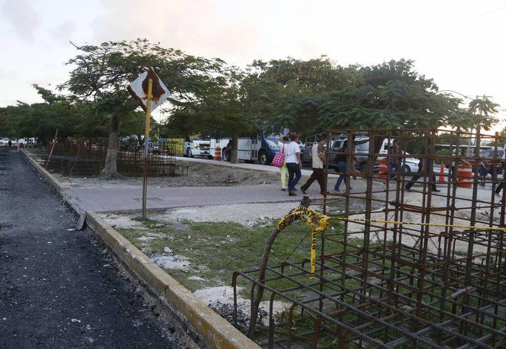 Las bases de varillas ya se encuentran listas en el área. (Israel Leal/SIPSE)