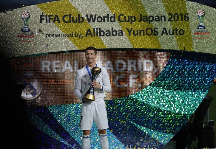 Cristiano Ronaldo fue elegido como el mejor deportista de Europa, luego de conquistar la Champions, Mundial de Clubes y la Eurocopa.(Shuji Kajiyama/AP)