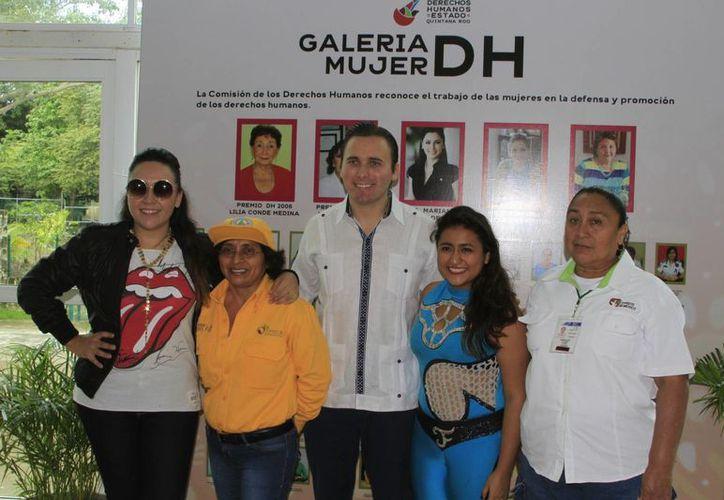 Estas cuatro mujeres representan la inclusión exitosa en ámbitos laborales tradicionalmente considerados para los varones. (Ángel Castilla/SIPSE)
