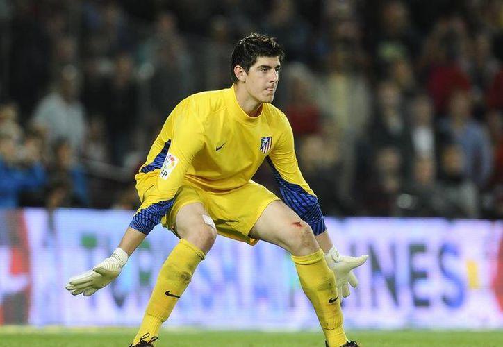 El larguirucho portero belga Thibaut Courtois podría recalar en Real Madrid. (Foto tomada de arquerosenred.com.ar)