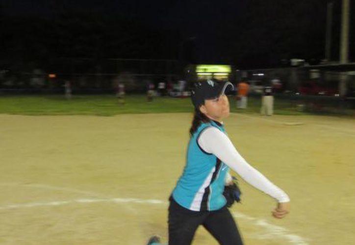 Torneo de softbol universitario. (Milenio Novedades)