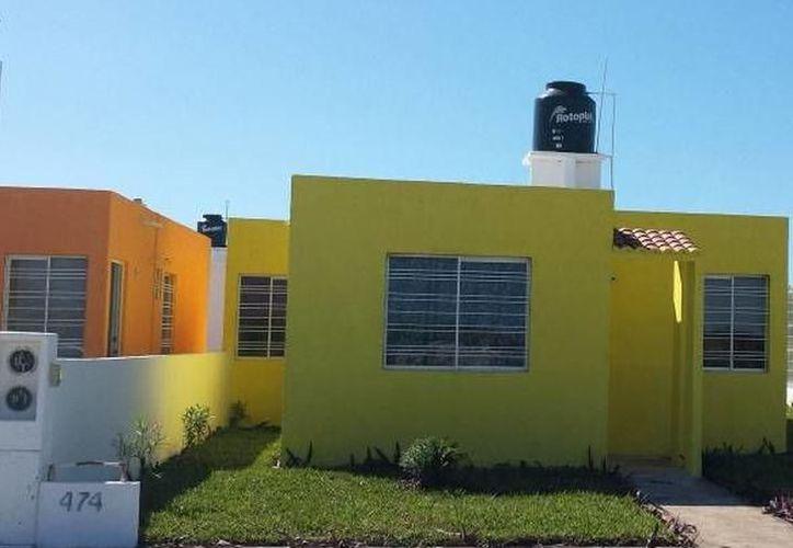 La construcción de vivienda social generaba muchos empleos en el área de la albañilería. (Novedades Yucatán)