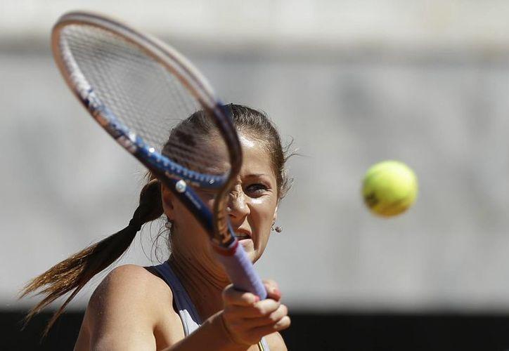 La serbia Janovksi (foto) ganó 2-6, 6-4 y 7- 6(5) el duelo a la favorita danesa. (Agencias)