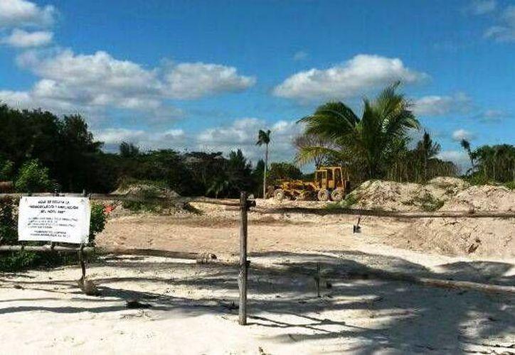 Las maquinarias procedieron a la extracción de arena. (Rossy López/SIPSE)