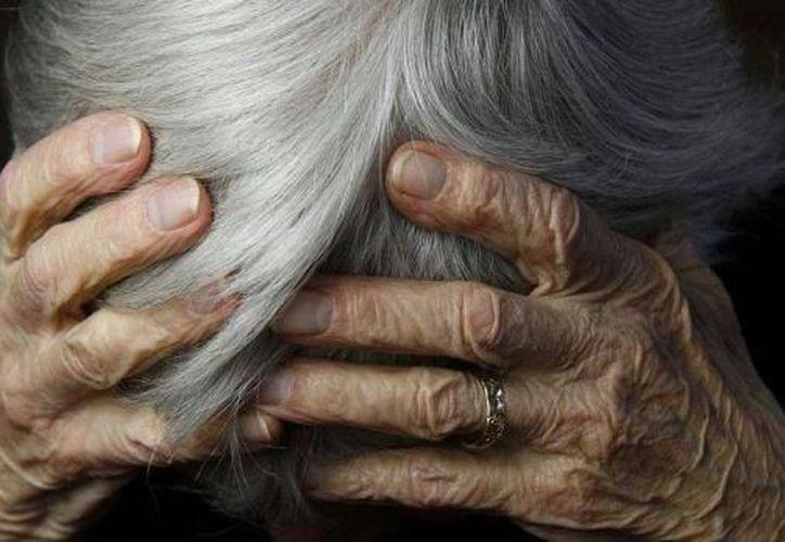 A partir de los 65 años de edad, el riesgo de desarrollar Alzheimer se duplica y en México se contabilizan 350 mil pacientes diagnosticados. (SIPSE)