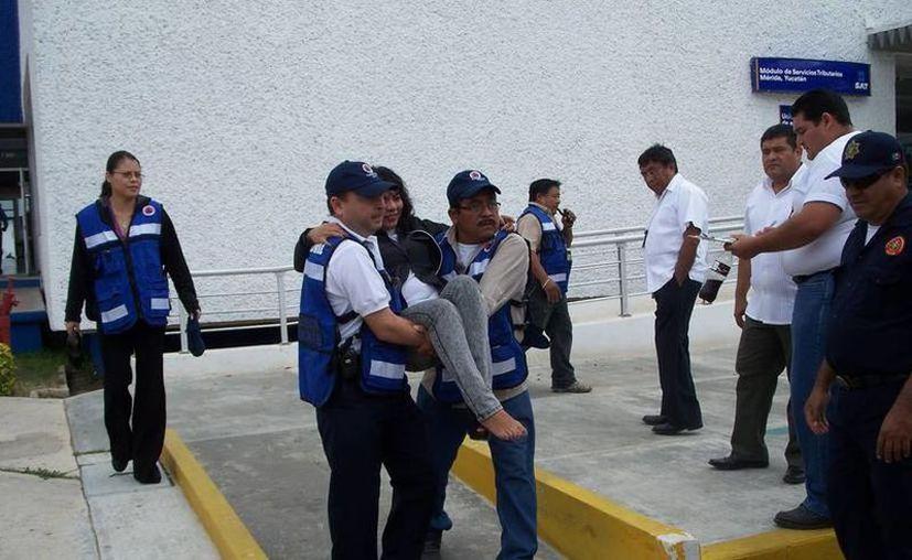El ejercicio dura en total 15 minutos y la evacuación se realiza en tres minutos. (Novedades Yucatán)